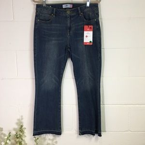 CAbi Ole Kick It Crop Jeans
